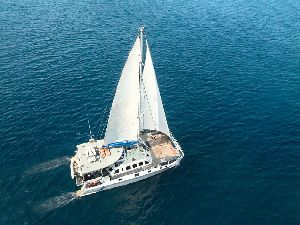 Castaway - Cruise and Yacht Charter